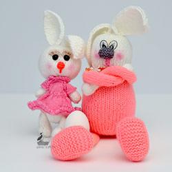 Папа-заяц и зайчик-малыш